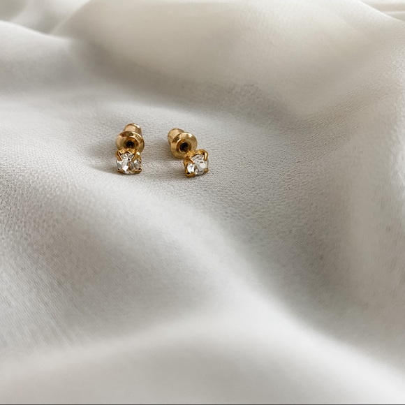 Vintage Jewelry - VTG Gold Classic White CZ Diamond Stud Earrings